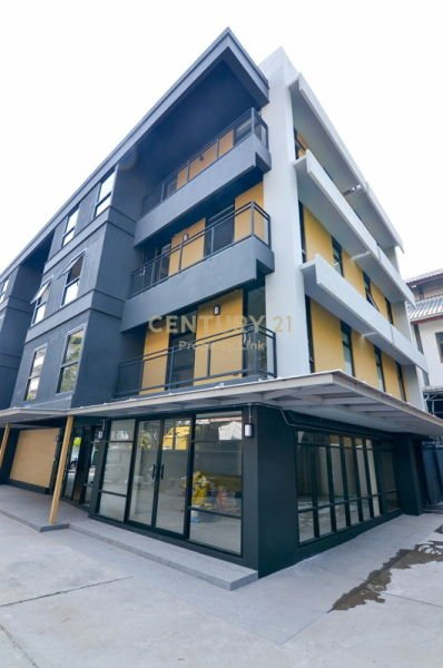"""New office space for rent! """"Brick Wall Style"""" Prime location only 500 m. from BTS Saphankhwai /04-OT-62046"""