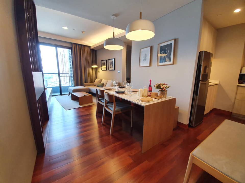 The Lumpini 24 very nice unit for rent. Open view