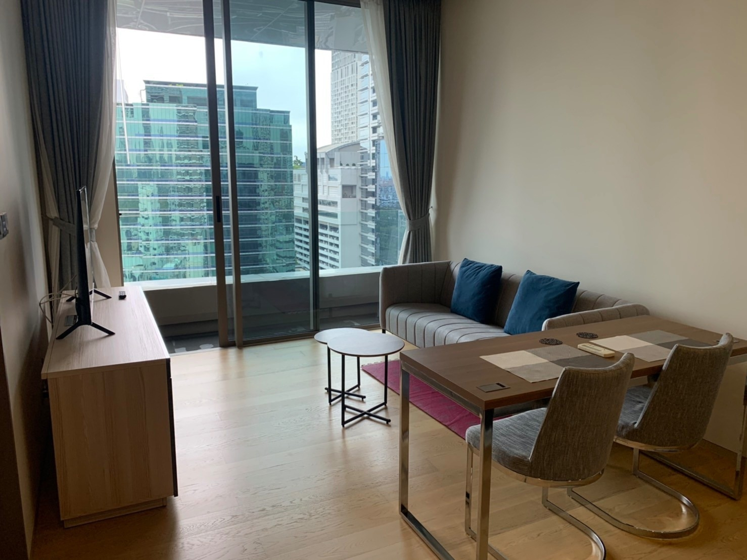 LTH3077 – Saladaeng One FOR RENT 1 bed 1 bath size 50 Sq.M. Nearby MRT Lumphini station ONLY 35k/Month