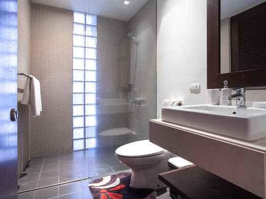 Condominium with 2 Bedrooms in Surin (ID: SR-008)