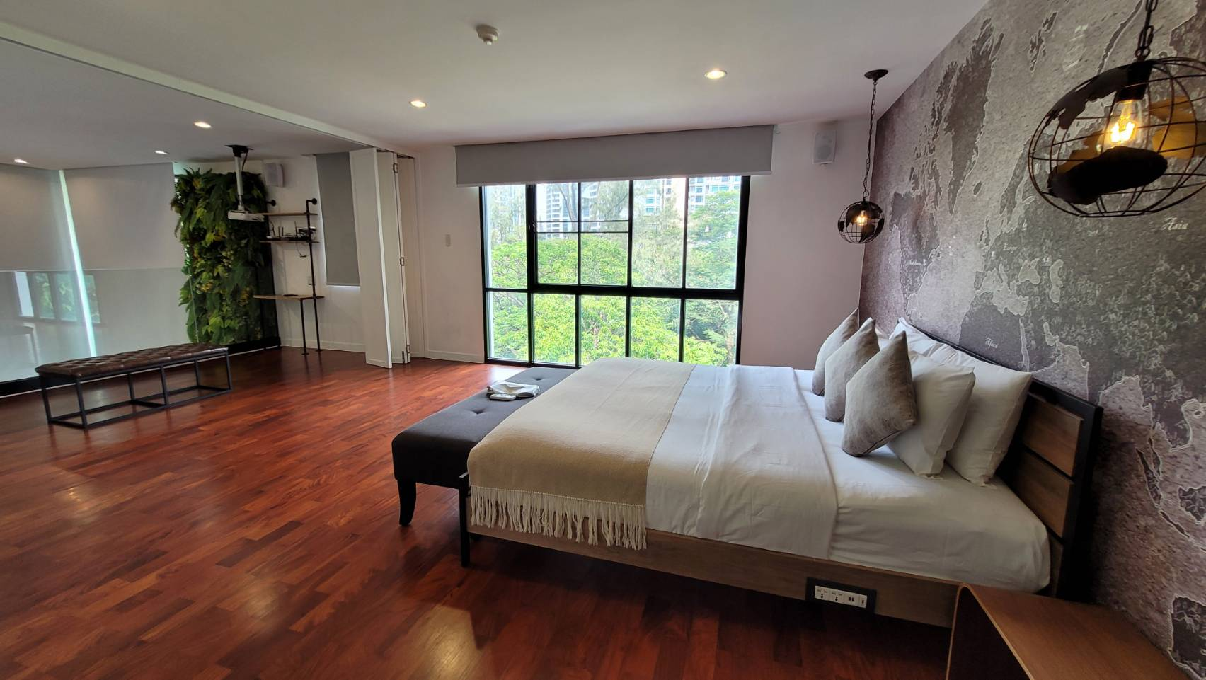 Modern Apartment in Soi Langsuan