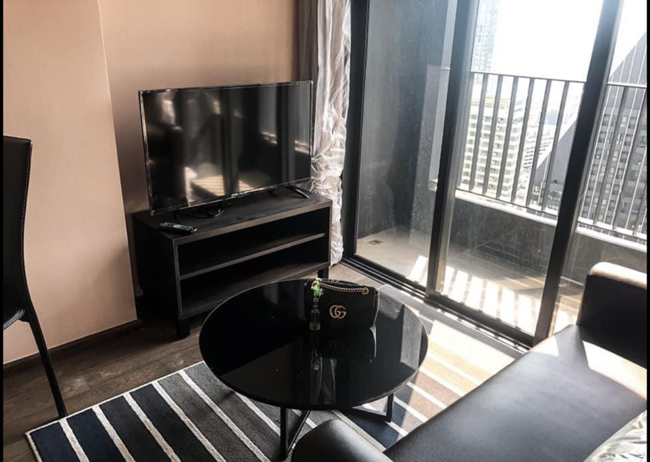 LTH3462 – Ideo Q Siam – Ratchathewi FOR SALE 1 bed 1 bath size 30 Sq.M. Nearby BTS Phaya Thai station ONLY 6.8 MB