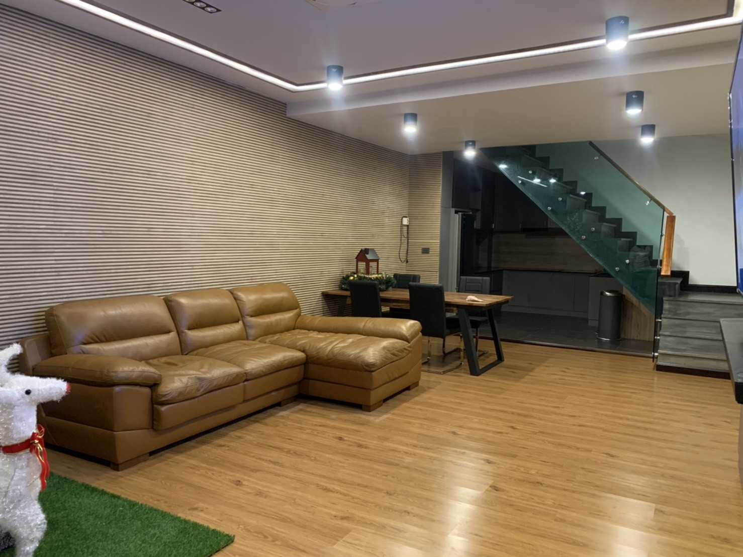 LTH3583 – Townhouse FOR RENT in Sathorn area 4 Beds 3 Baths size 300 SQ.M. Nearby BTS Saint Louis station ONLY 80k/Month