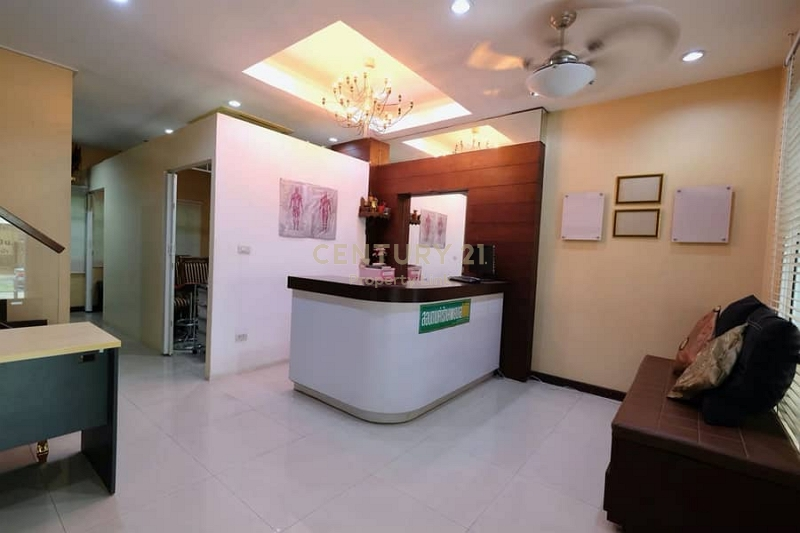 Townhome for rent in Srinakarin, On Nut, near Seacon Square. Suitable for living and home office / 52-TH-64065