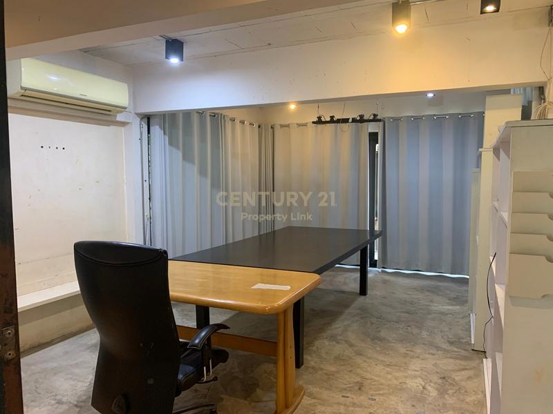 Hot Deal house  for Sell , 104 sq.wa., Sukhumvit, 800 m. from BTS Bang Chak, near Sukhumvit Expressway. 62/48-HH-64068