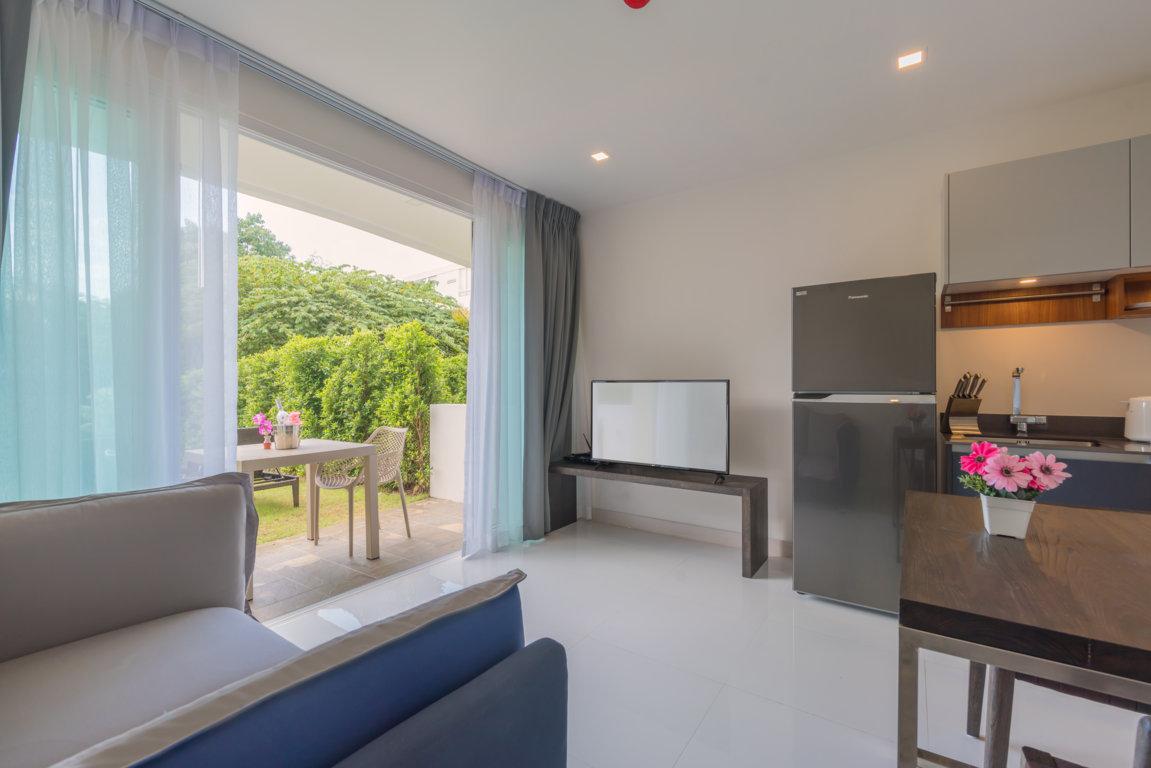 Studio Condominium with terrace in Karon beach