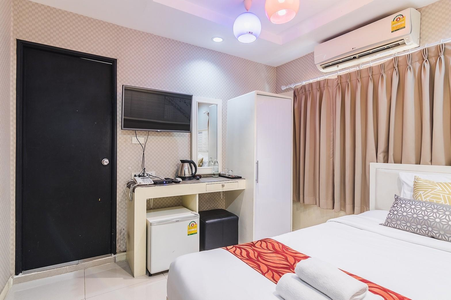 LTH3795 – Hotel FOR SALE in Phrom Phong 21 rooms size 48 Sq.W. Nearby BTS Phrom Phong station ONLY 99.2 MB