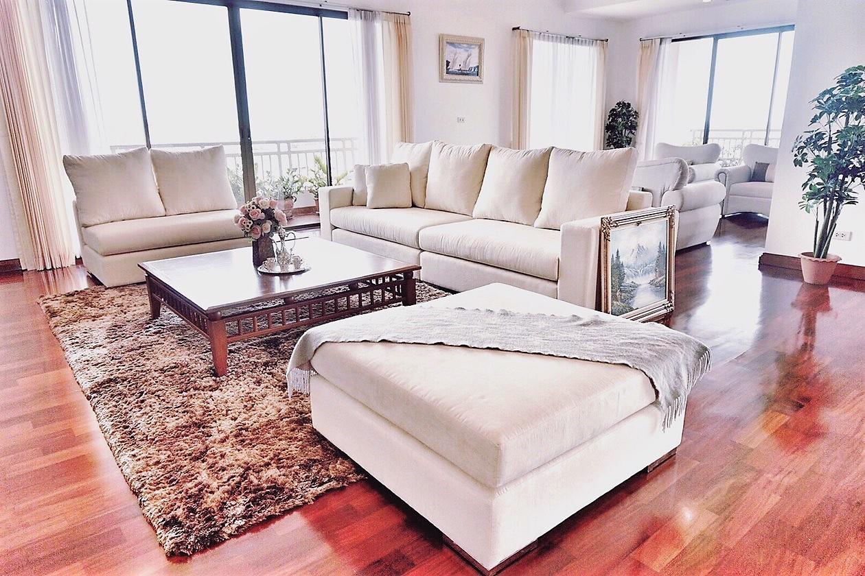 Spacious Apartment in Sathorn