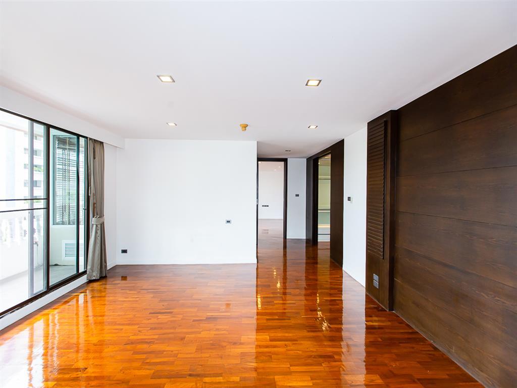 Apartment in Asoke