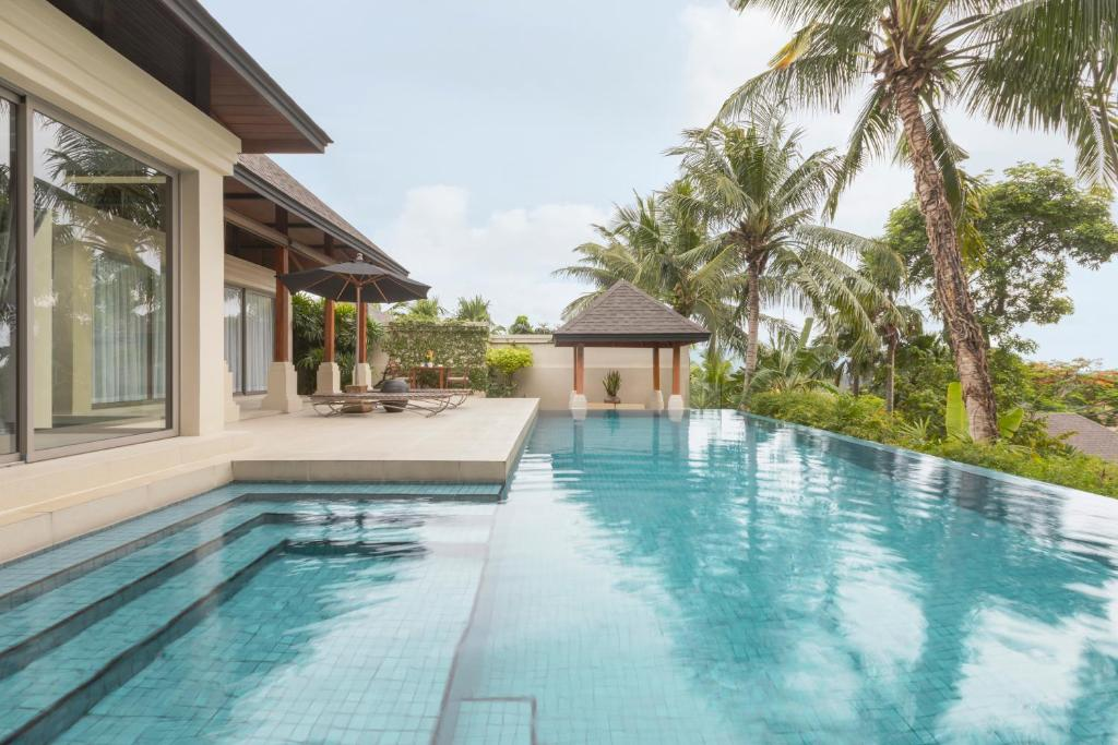 Luxurious 3 Bedrooms Pool Villa For rent in Layan LY-060