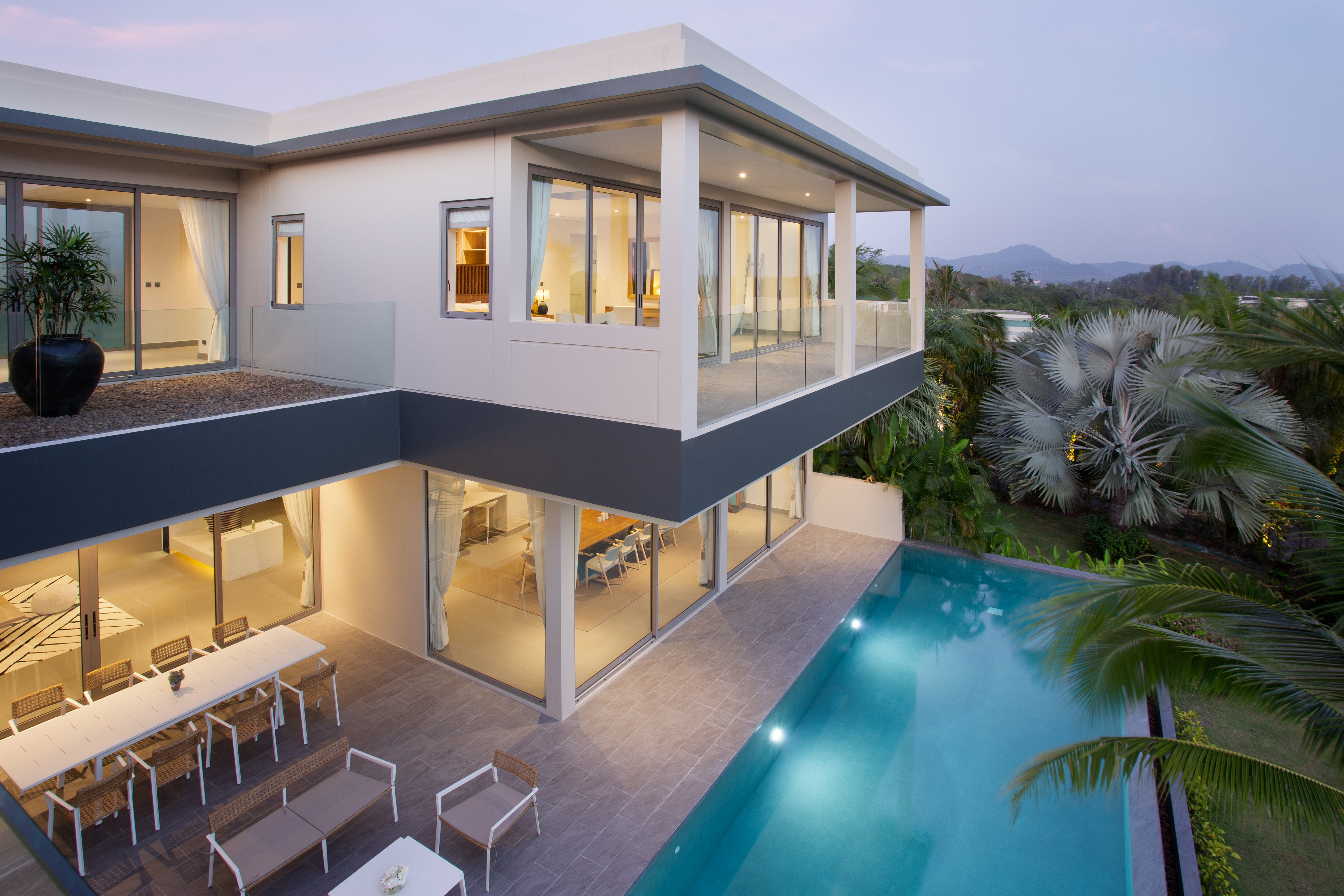 Luxurious 4 Bedrooms Pool Villa For rent in Layan LY-061