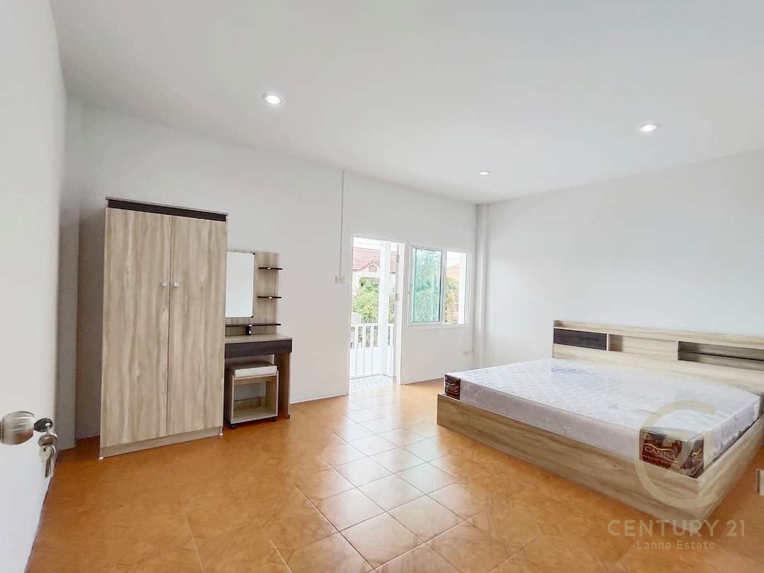 2 Bedroom Townhouse Sale or Rent Saraphi Chiang Mai