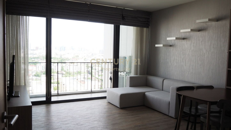 For rent The Issara Ladprao Condo on Lat Phrao Road, only 450 meters to MRT Lat Phrao and near BTS Ha Yaek Lat Phrao /50-CC-63254