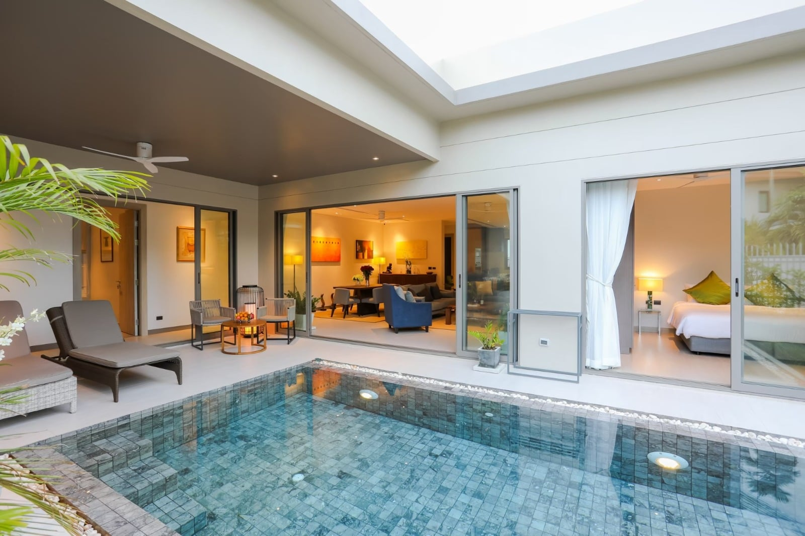 Modern 3 Bedrooms With Private Pool Villa