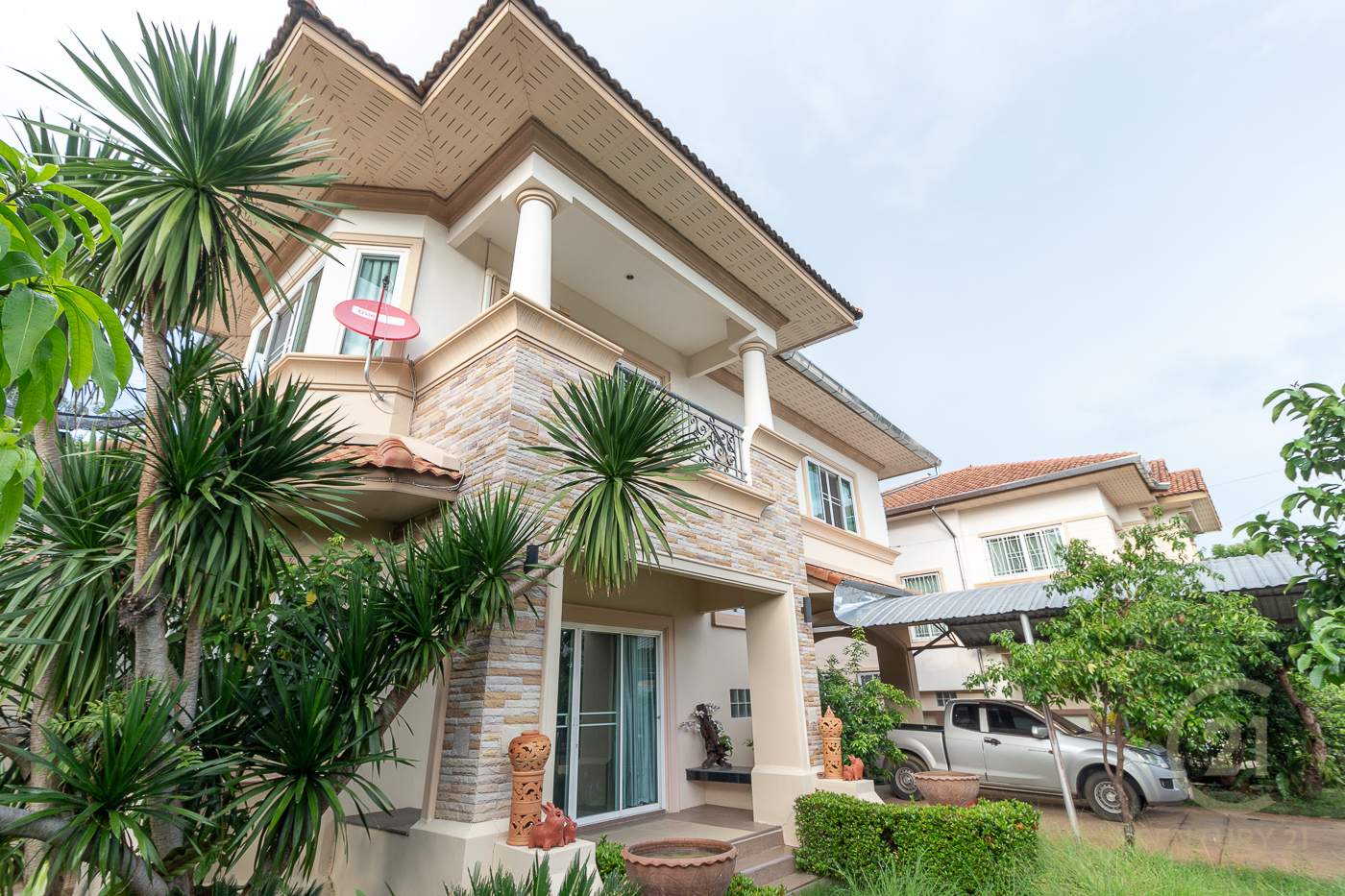 Single House for sale in gated community The Oriental (Regent) project Saraphi Chiang Mai