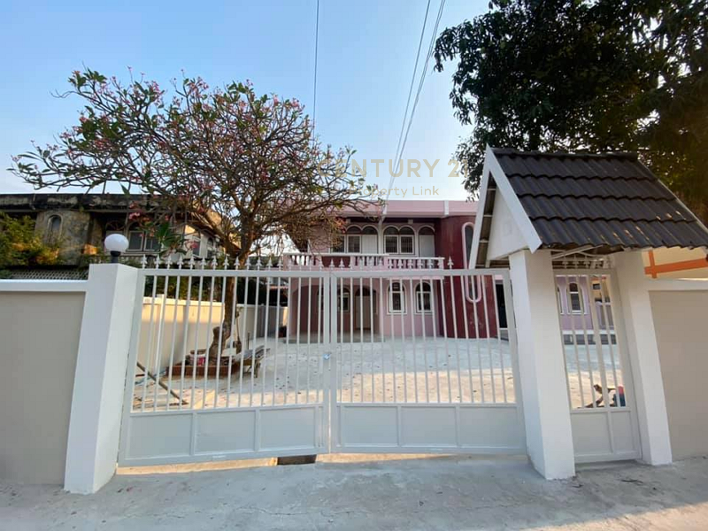 Sale with tenant, single house 104 sq.wa, Ladprao 101, parking 5-7 cars, suitable for investment. Can continue to make profit/52-HH-64100