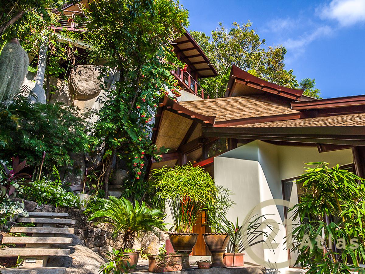 Amazing luxury 3 bedrooms Property