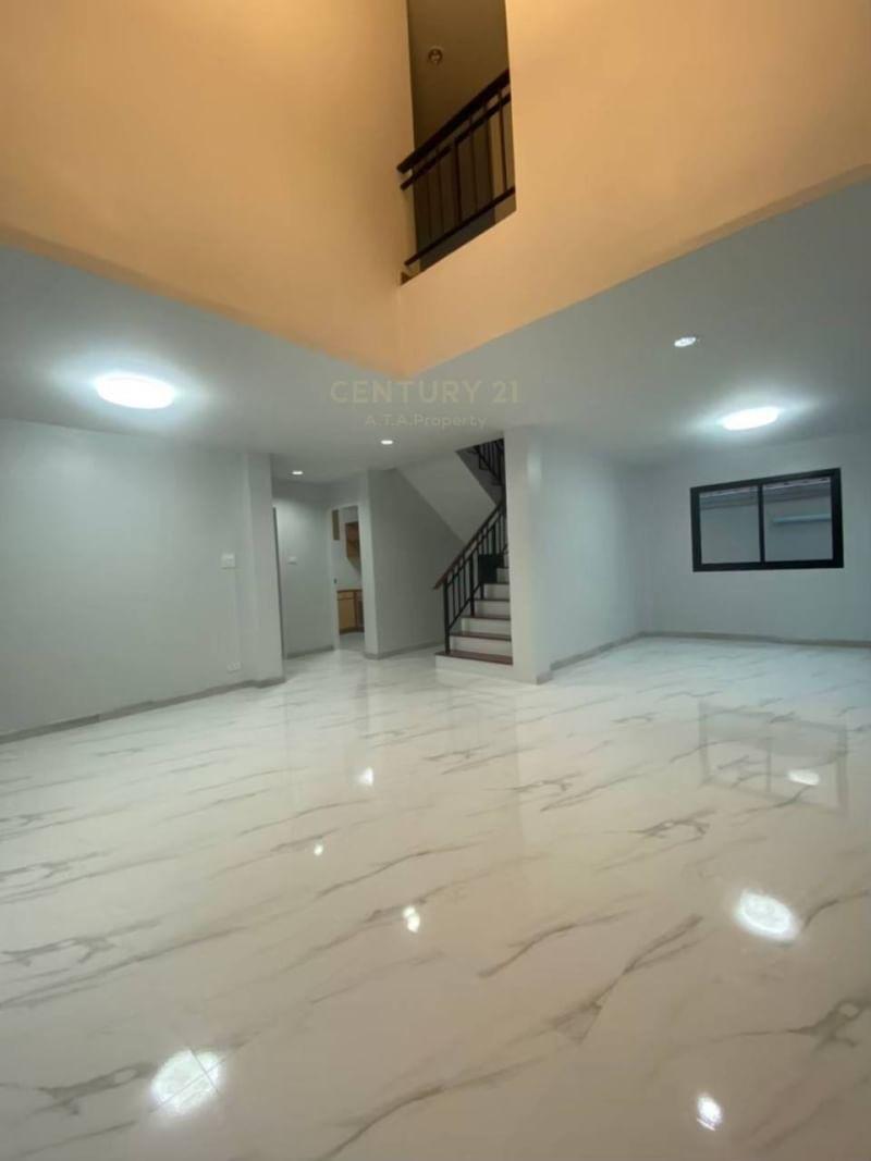 2 storey detached house, newly renovated near Amata City-Chonburi