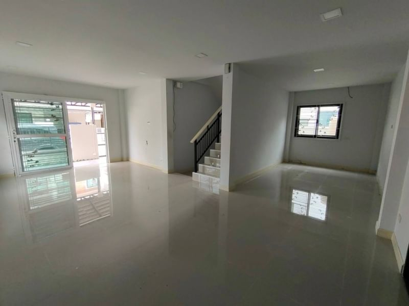 House for sale in new condition, Mueang Chon Buri - Samet District.