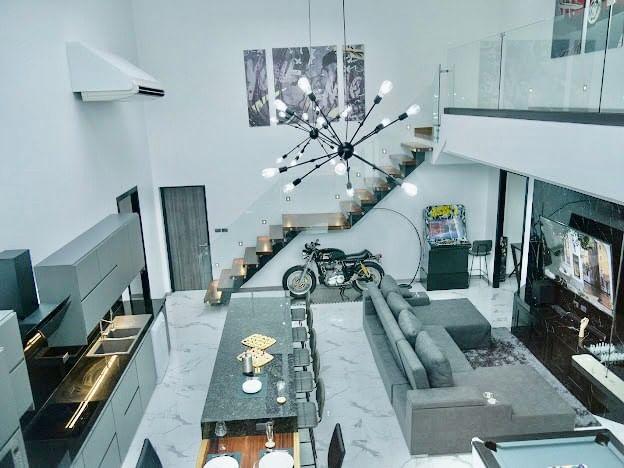 Luxury Pool Villa House Modern style Pattaya
