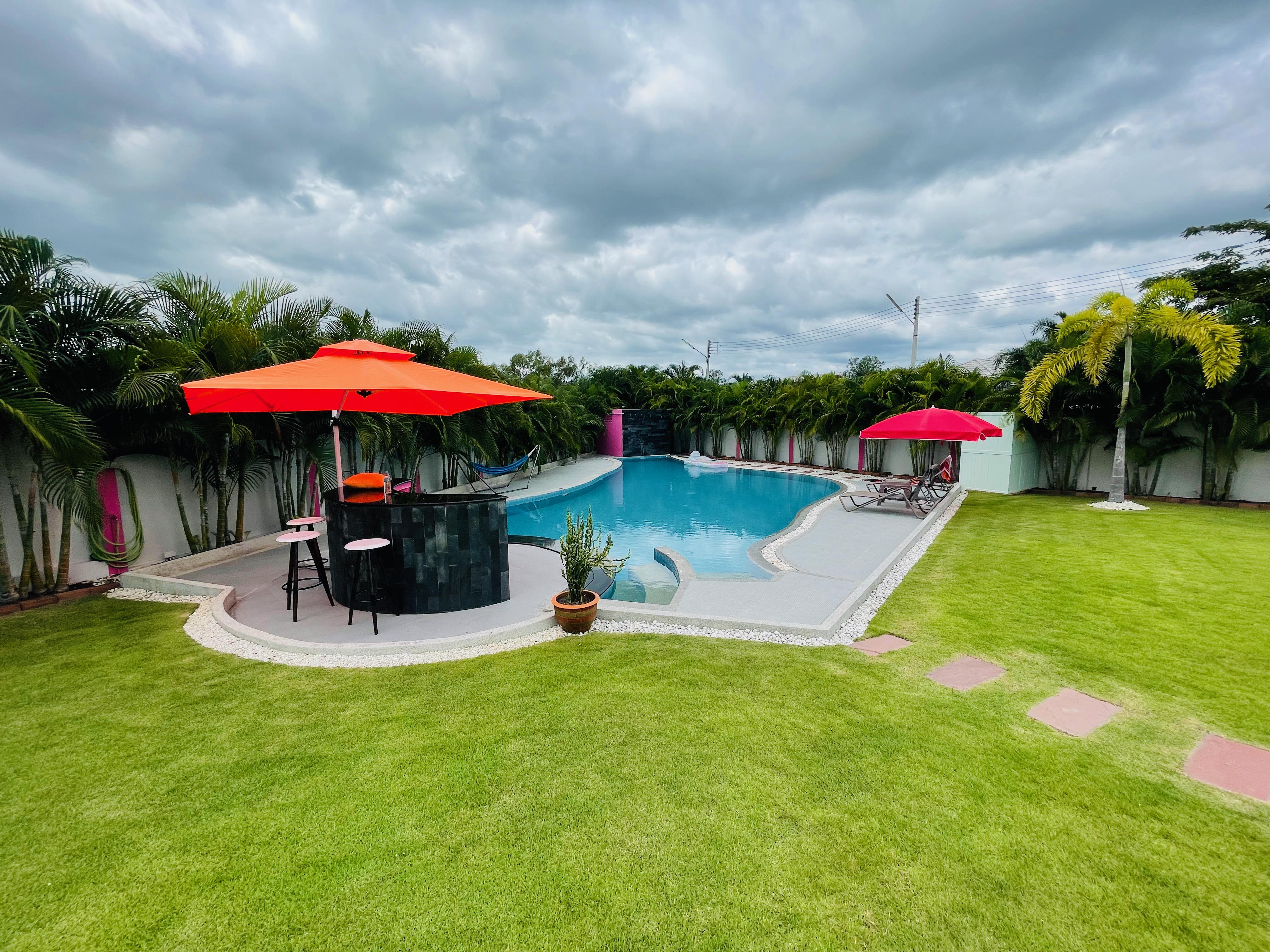 Gorgeous Pool Villa @ 10 min from Hua Hin center