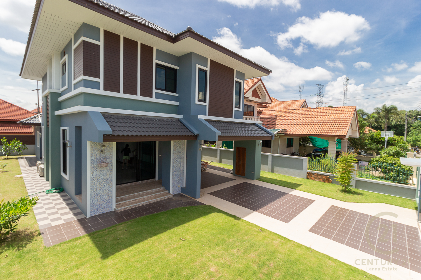 Brand new good quality House for SALE in opened gated community
