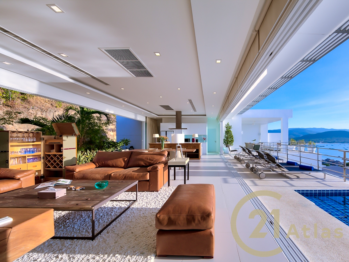 Stunning 4 bedrooms Sea view pool villa