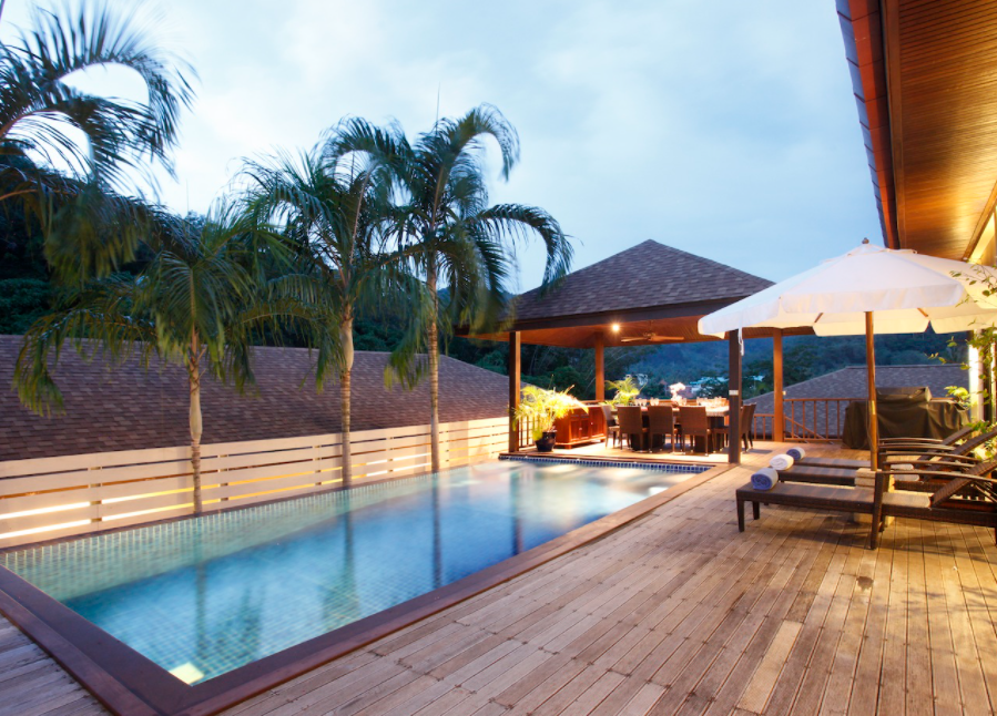 6 Bedrooms Private pool villa for rent in Rawai