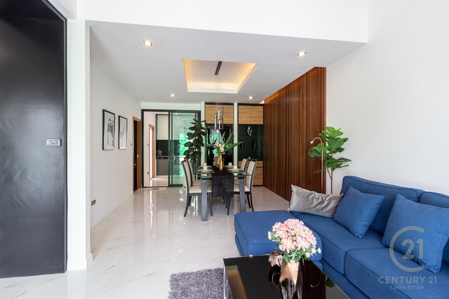 Brand new modern 3-storey Townhouses for SALE near Payap University in San Sai
