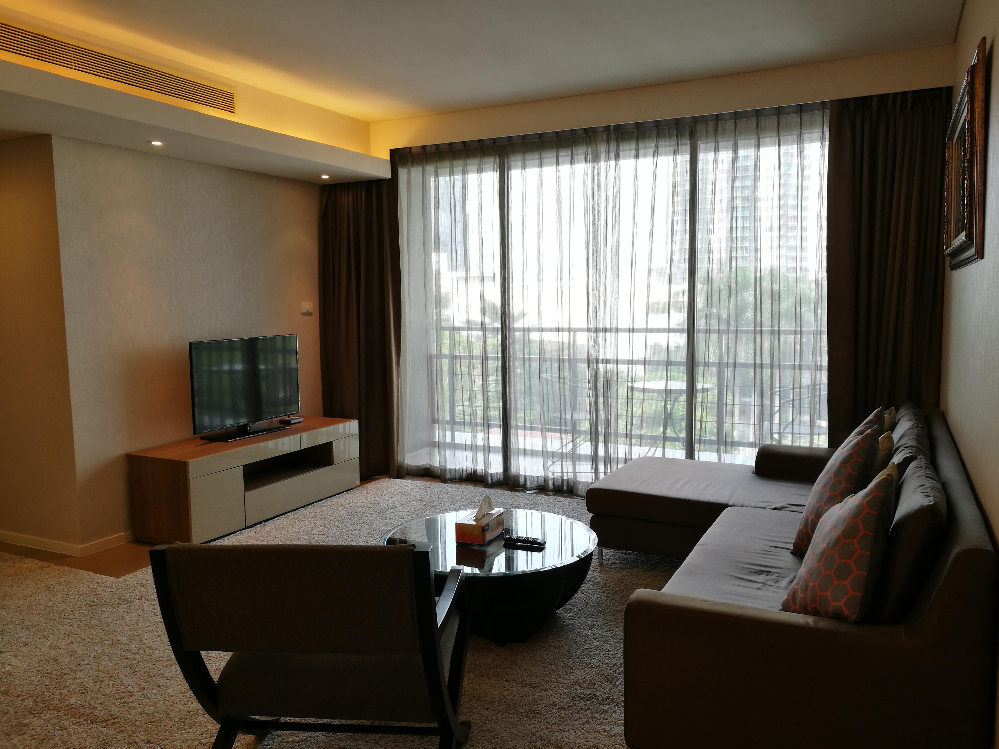 Mode Sukhumvit 61 2 Bedroom Unit For Rent (Located Between Thong Lor And Ekamai BTS)