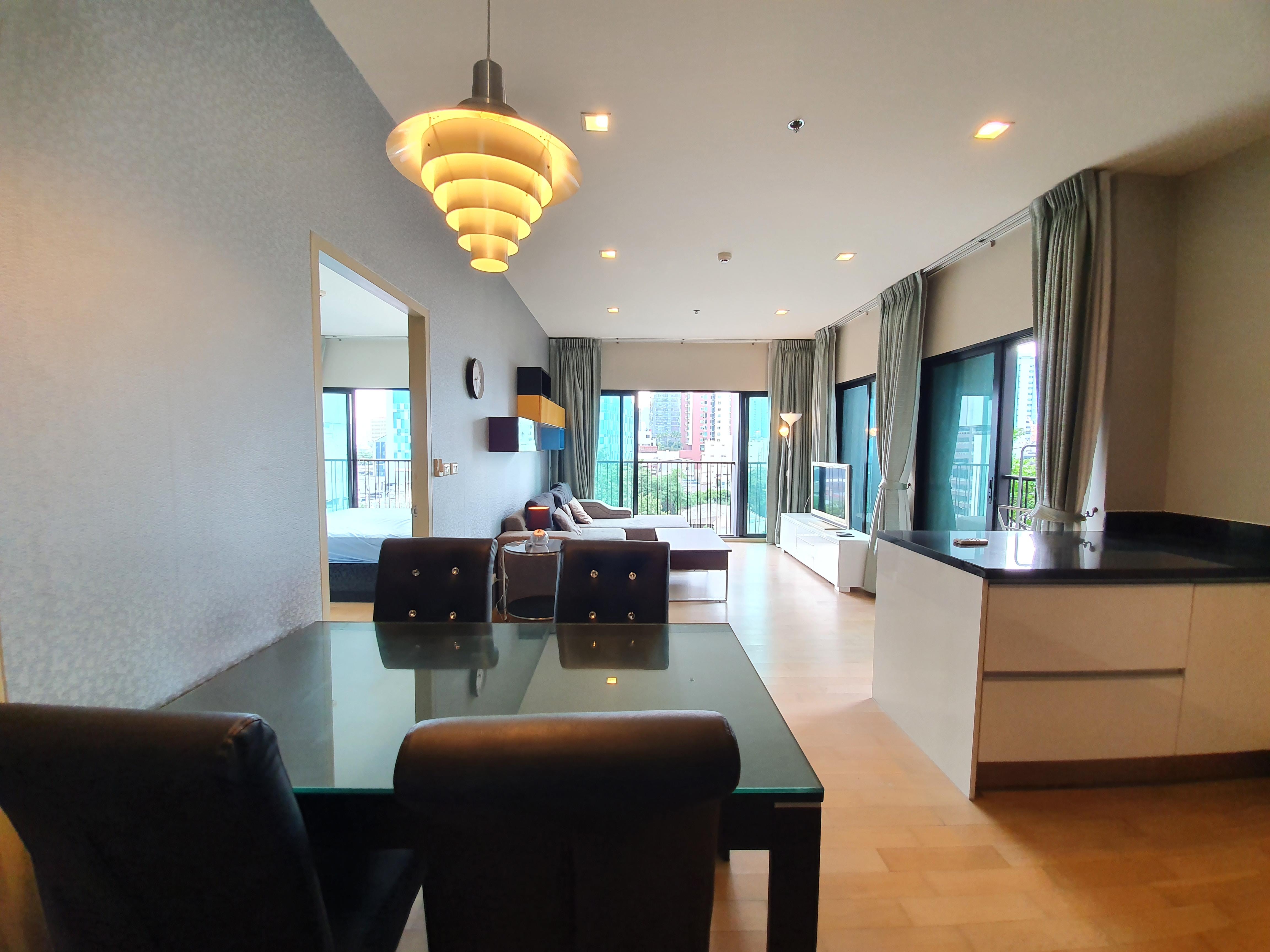 Noble Reveal 2 Bedroom Unit For Rent (Near Ekamai BTS)