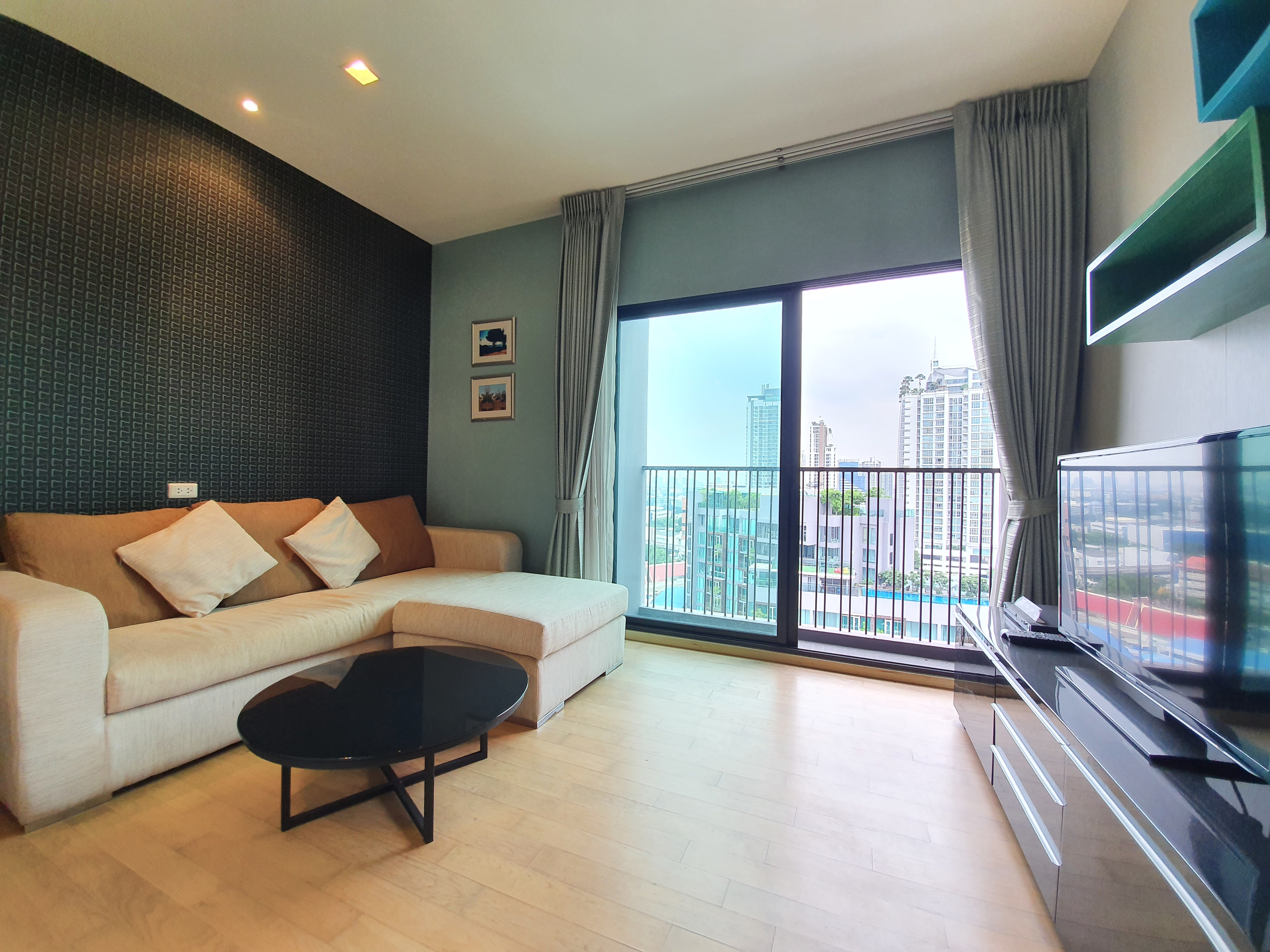 Noble Reveal 1 Bedroom Unit For Rent (Near Ekamai BTS)