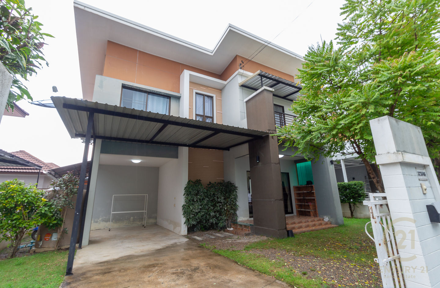 Nice House for SALE with lovely price