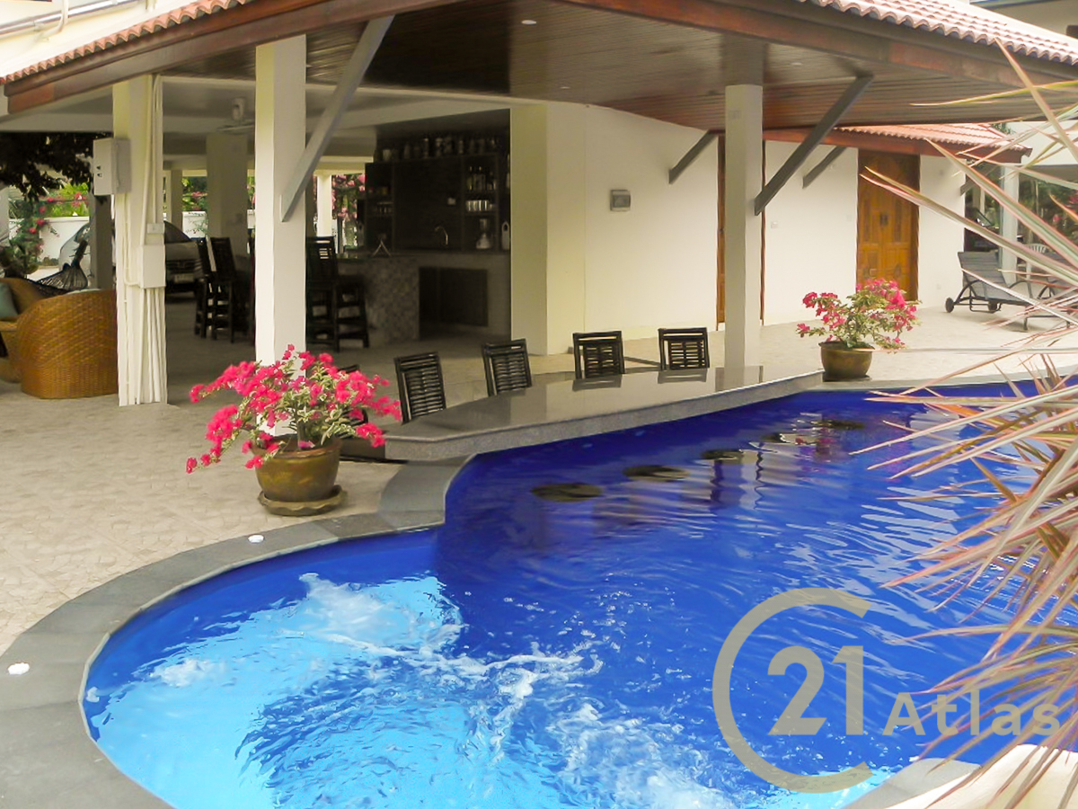 Wonderful 3 bedrooms Pool villa located in a unique and private place