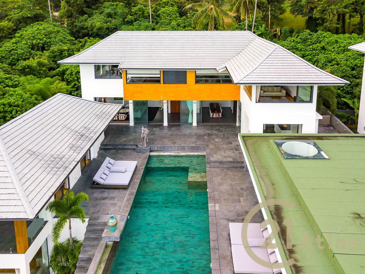 Three-floor luxury pool villa