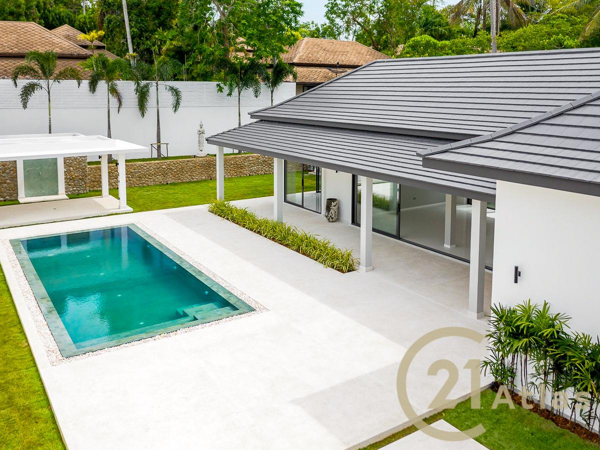 Wonderful 3 bedrooms Bali style Villa