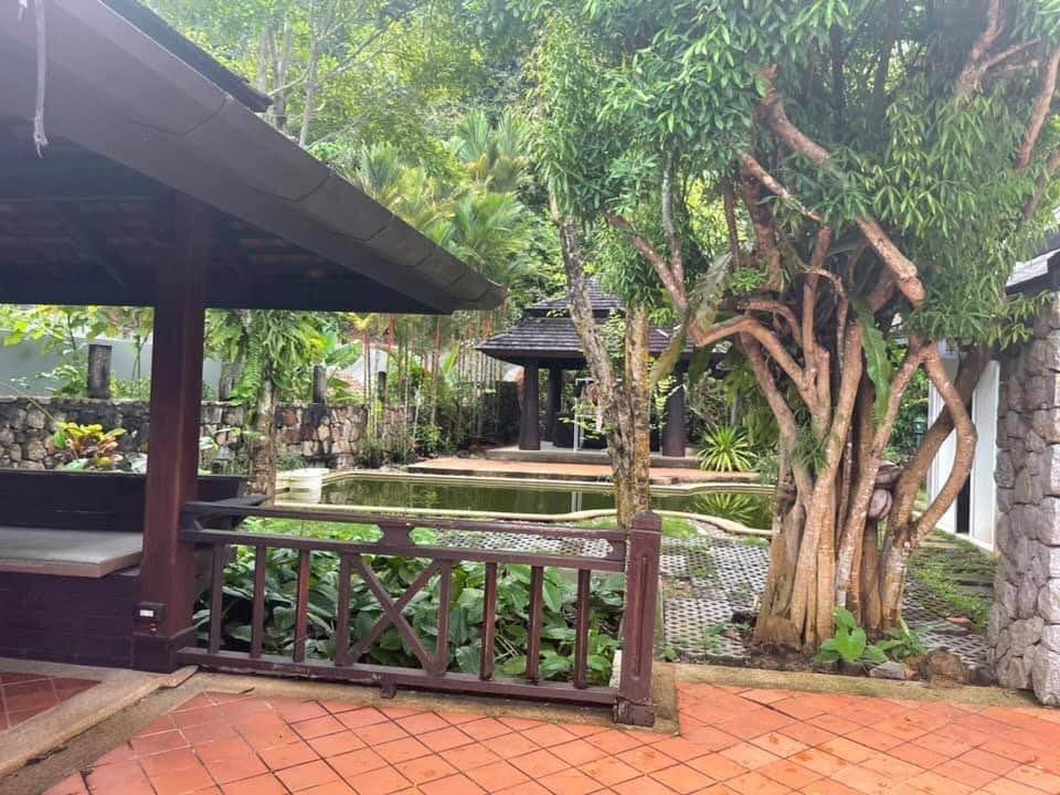 Prestigious 5 Bedrooms Pool Villa in Chalong