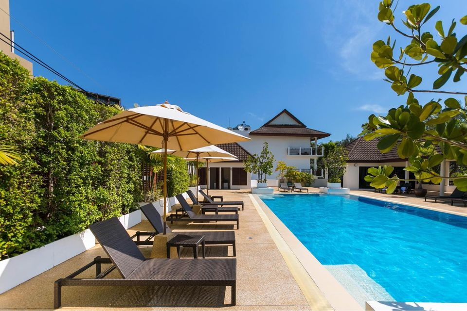 4 Bedrooms Townhouse with Common Pool in Naiharn