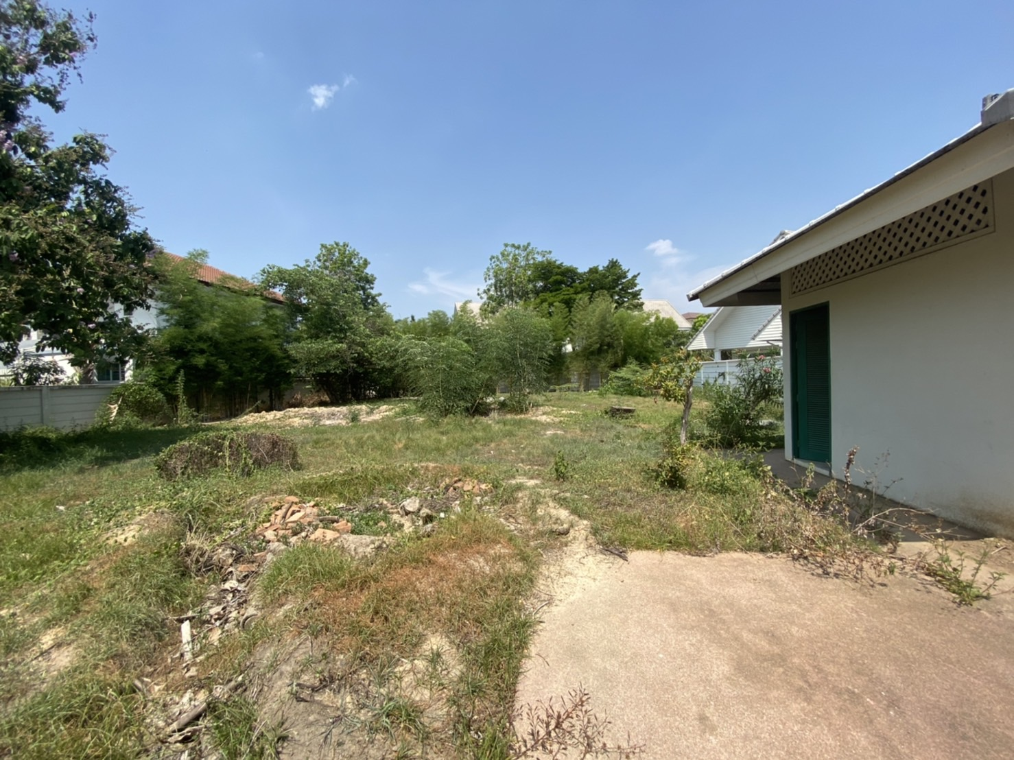 Land ready to build on for SALE in The Urban 1, Thasala, Chiang Mai.