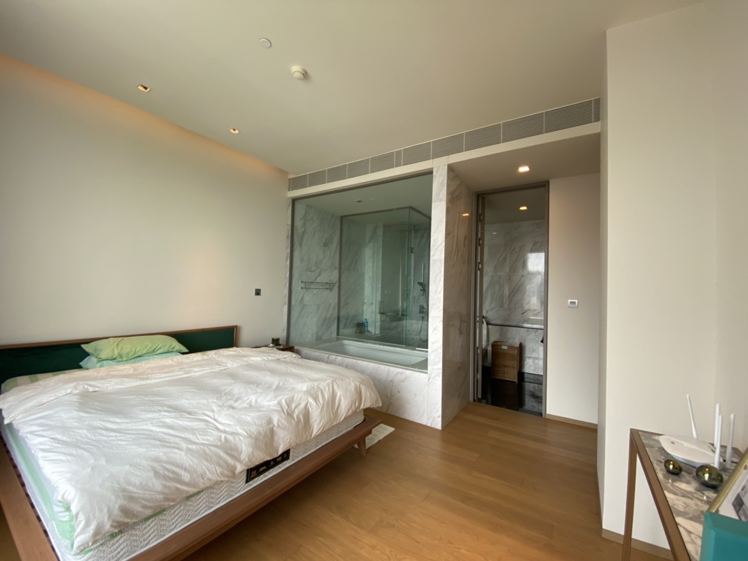 Modern 2 Bedroom Unit On High Floor for RENT @ Saladaeng One