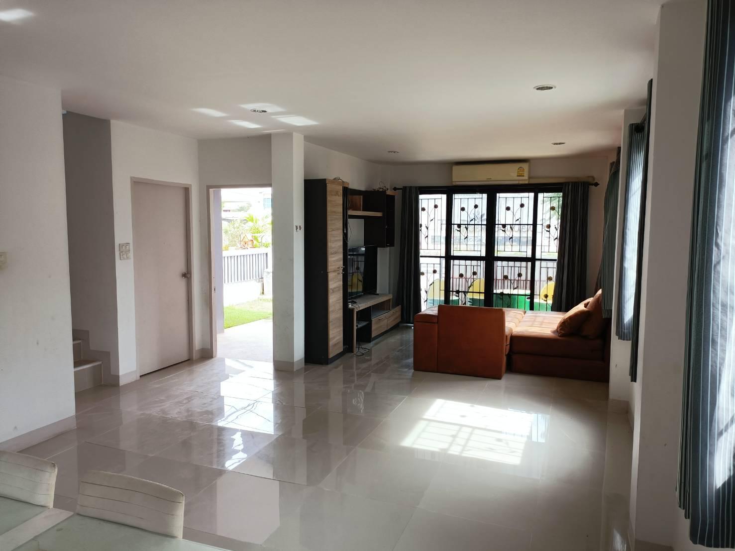 2 storey Detached House fully furnished in gated community Bo Sang San Kamphaeng