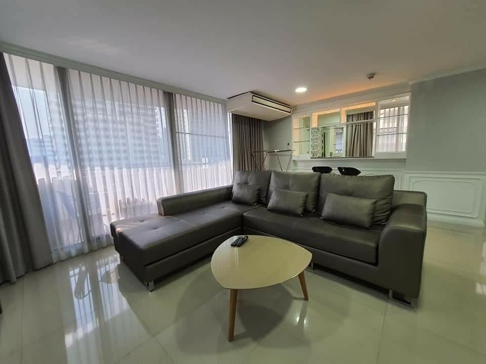 Renovated 2 Bedroom Unit For RENT & SALE @ Supalai Place Sukhumvit 39