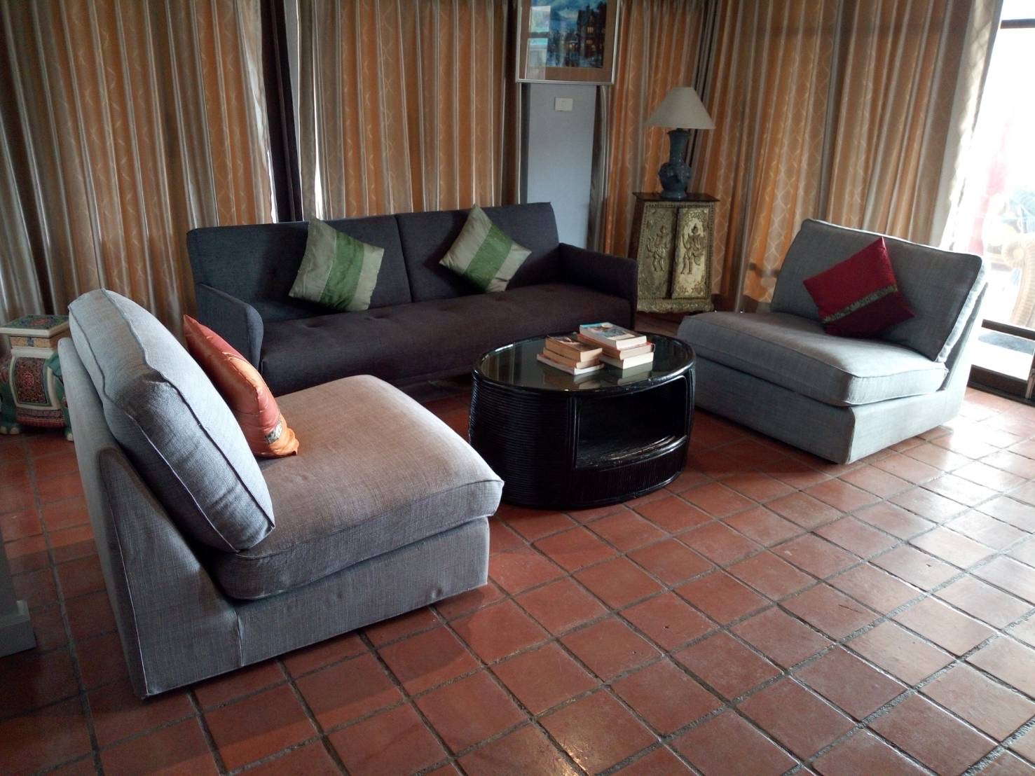 2 bedrooms Apartment for rent and sale