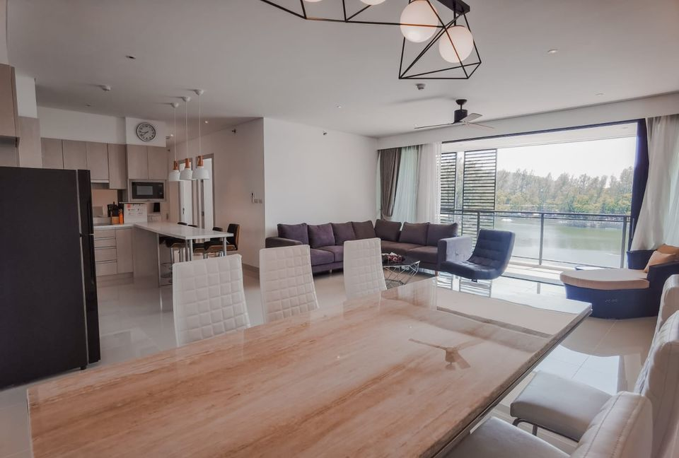 3 Bedroom Apartment with Lagoon View