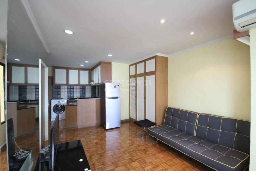 1 Bedroom Condominium for rent in Sathorn Gardens, Lumpini, Bangkok